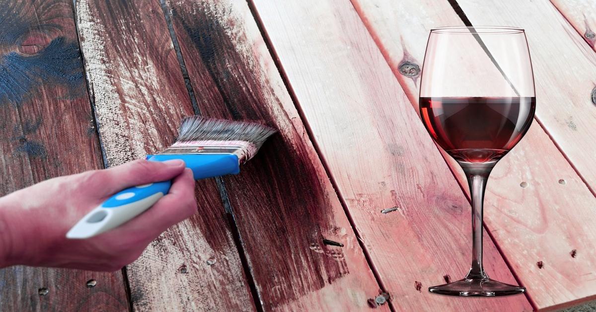 Zapomeňte na chemii - dřevo můžete nabarvit i pomocí vína